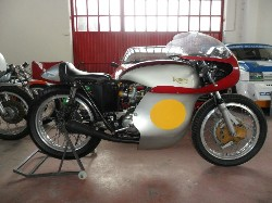 TRIUMPH HARRINGTON 500 GP